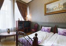 ВЕРСАЛЬ НА ТВЕРСКОЙ (м. Тверская) Двухместный с двумя отдельными кроватями и общей ванной комнатой