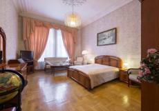 ВЕРСАЛЬ НА ТВЕРСКОЙ (м. Тверская) Двухместный с одной кроватью и общей ванной комнатой