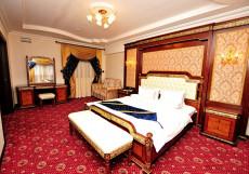 Холидэй Moscow Holiday Hotel - б. КАССАДО ПЛАЗА  (м. Полежаевская, возле Экспоцентра) Люкс с джакузи