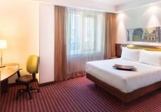 Hampton By Hilton Samara / Хэмптон бай Хилтон Самара Номер с кроватью размера