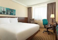 Hampton BY Hilton Saint Peterburg ExpoForum Номер с кроватью размера «queen-size» и безбарьерной душевой - Подходит для гостей с ограниченными физическими возможностями/Для некурящих