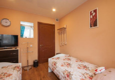 КВАРТИРОВ | Красноярск | центр Двухместный с двумя отдельными кроватями и общей ванной комнатой