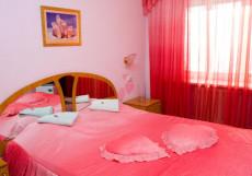 Под Телевышкой   г. Бийск   Нагорный сквер   Сауна   Улучшенный двухместный номер с 1 кроватью
