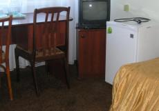 Гостиница  Центральная   г. Бийск   Петровский бульвар   Сауна   Двухместный номер с 2 отдельными кроватями и душем
