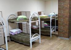 Отель М-53 | Ачинск | Набережная реки Мазулька | Сауна Кровать в общем номере для мужчин и женщин с 8 кроватями