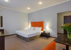 БОНТИАК | центр Комфорт с кроватью размера king-size