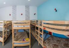 Хостел Лондон | Якутск | сквер Декабристов | Парковка Кровать в общем 10-местном номере для мужчин и женщин