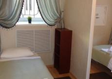 СВ НА ТАГАНКЕ | м. Таганская | м. Марксистская Стандартный трехместный с одной двуспальной кроватью и одной односпальной и общей ванной комнатой