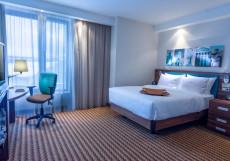 Хэмптон Хилтон Номер NS с кроватью размера «queen-size» - Подходит для гостей с ограниченными физическими возможностями