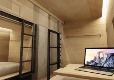 ХОСТЕЛ ICON | м. Деловой центр Койко-место в общем восьмиместном номере для женщин