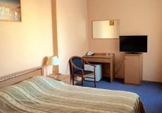 Отель Тура | г. Тюмень | Текутьевский бульвар | Бильярд | Двухместный люкс бизнес-класса с 1 кроватью (для 2 взрослых)