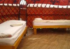 Tes Guest House | Ош | Детский центр Мээрим | Бассейн Трехместный номер с основными удобствами