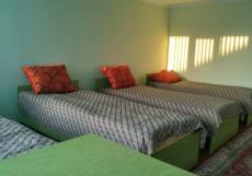 Labirint Guest House Issyk-Kul | Чолпон-Ата | Парк имени В. И. Ленина | Сауна Трехместный номер с видом на бассейн