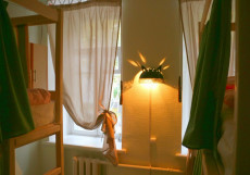 Пара Тапок | м. Маяковская | Wi-Fi | Парковка Спальное место на двухъярусной кровати в общем номере для мужчин и женщин