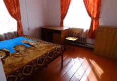 Диана -ЗАКРЫТ| п. Хужир | Wi-Fi | Парковка Бюджетный двухместный (1 кровать)