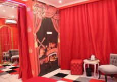 Тема - тематический отель с джакузи для свиданий | м. Дмитровская Люкс с кроватью размера