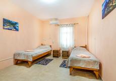 Форт Апатур (Таманьcкий залив, 3 минуты пляж) Двухместный номер эконом-класса с 2 отдельными кроватями и общей ванной комнатой