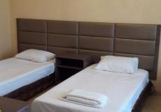 Мраморный замок | Пицунда | Вид на море Двухместный (1 двуспальная или 2 односпальные кровати)