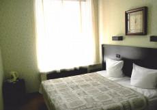 Зима Мини-отель   м. Маяковская   Парковка Стандарт двухместный (1 двуспальная или 2 односпальные кровати)