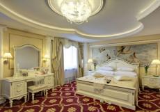 Измайлово Альфа - отель, гостиница в Москве Джуниор Сюит Классик (клубный этаж)