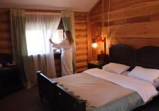Байкальские Терема - Baikal Hill Club | Листвянка Улучшенный двухместный (1 двуспальная или 2 односпальные кровати)