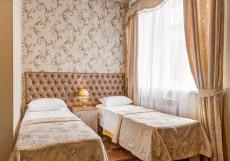 Отель Наири | Nairi Hotel | Волгоград | р. Волга | Парковка Двухместный номер эконом-класса с 2 отдельными кроватями