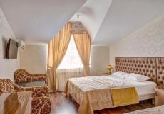 Отель Наири | Nairi Hotel | Волгоград | р. Волга | Парковка Стандартный трехместный номер