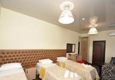 Отель Наири | Nairi Hotel | Волгоград | р. Волга | Парковка Трехместный номер