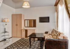 Отель Наири | Nairi Hotel | Волгоград | р. Волга | Парковка Люкс с 2 отдельными кроватями и гидромассажной ванной