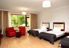 Lopota Lake Resort & Spa | Напареули | Парковка | Бассейн | Стандартный семейный номер