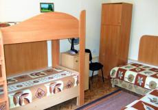 Окуневка Инн - Okunevka Inn (1 линия, Включен завтрак и ужин) Бюджетный четырехместный номер