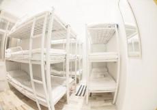 Bed&beer Кровать в общем номере для мужчин и женщин с 15 кроватями