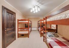 AntHill 2 | м. Выхино | Общая кухня Кровать в общем 6-местном номере для мужчин и женщин