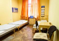 Moscow Home Hostel | Москва | М. Парк Культуры | парковка Трехместный номер с общей ванной комнатой