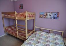 Добрый | м. Курская | Парковка придомовая Семейный номер с общей ванной комнатой
