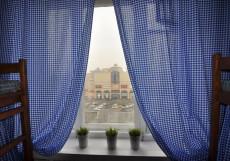 Добрый | м. Курская | Парковка придомовая Спальное место на двухъярусной кровати в общем номере для мужчин