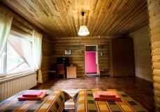 Абрамцево   деревня Жучки   Подмосковье   Бассейн   Сауна   Парковка Двухместный номер с 1 кроватью - Деревянный коттедж.
