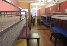 Дмитровка | м. Чистые пруды | в центре | парковка Спальное место на двухъярусной кровати в общем номере для мужчин