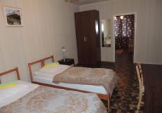 Сансет | Москва | м. Беляево | Wi-Fi Двухместный номер с 2 отдельными кроватями, общей ванной комнатой и кухней