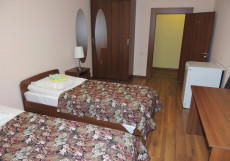Сансет | Москва | м. Беляево | Wi-Fi Улучшенный двухместный номер с 2 отдельными кроватями, общей ванной комнатой и общей кухней