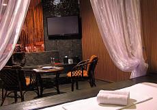 Love Hotel Treffen  | м. Смоленская | Арбат Люкс с кроватью размера