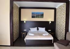 Alpen House | Геленджик | Парковка Стандартный двухместный номер с 1 кроватью или 2 отдельными кроватями