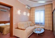 ЮГ (г. Краснодар, Ростовское шоссе) Люкс двухкомнатный улучшенный  (одна 2-спальная кровать)