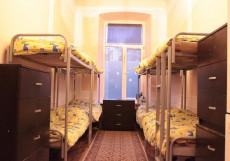 Хостел на Курской | м. Курская | Парковка Спальное место на двухъярусной кровати в общем номере для женщин
