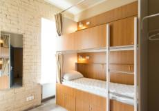 Макаров Хостел - Makarov Hostel | м. Новокузнецкая | м. Третьяковская Кровать в 8-местном номере для мужчин