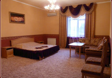 Триумф   Лабинск   Центр   Wi-Fi Стандарт двухместный (1 двуспальная кровать)