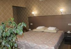 Зима | Екатеринбург | Центр | Парковка Улучшенный двухместный (1 двуспальная или 2 отдельные кровати)