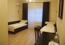 Отель На Цветном | Тольятти | Wi-Fi | С завтраком Двухместный с балконом (1 двуспальная или 2 односпальные кровати)
