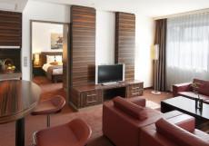 Холидей Инн Алматы | Holiday Inn Almaty | Алматы | Парковка Представительский 2-местный номер - Для некурящих