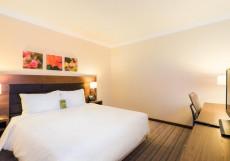 Hilton Garden Inn Красноярск Номер Делюкс с кроватью размера